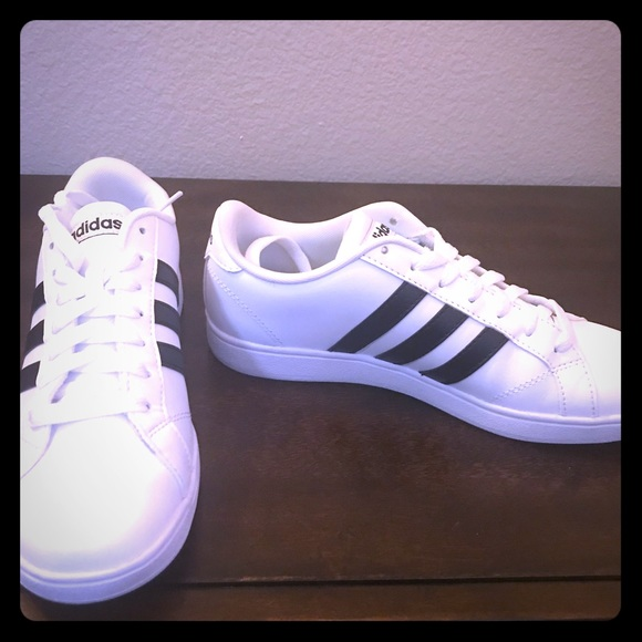 Adidas neo cloudfoam footbed women's size 7